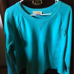 Davina, long sleeve waist length sweat shirt