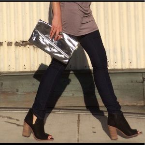 Forever 21 Handbags - PRICE FIRM 👄 Silver Fold-over Clutch
