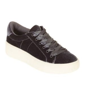 Sneakers Black Lace-up
