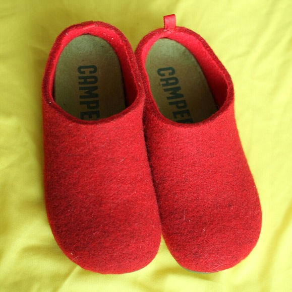 26f25345003a Camper Shoes - NWOT Camper red felt slippers