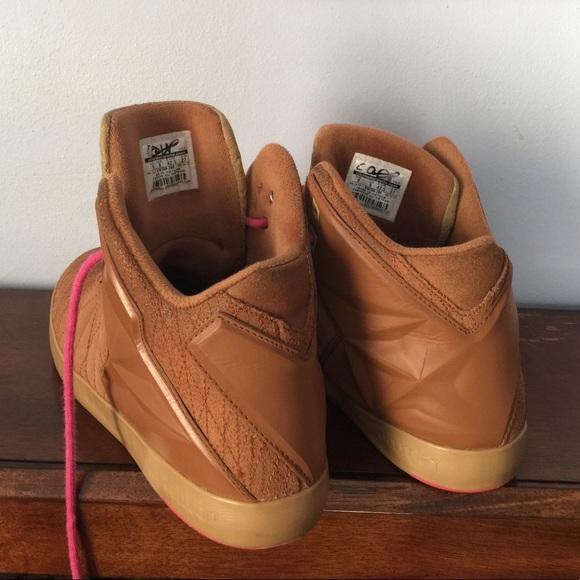Nike Lebron 12 Lifestyle Black Gold
