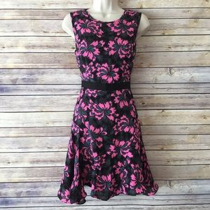 Milly Dresses & Skirts - MILLY Silk Fit and Flare Floral Dress back zipper