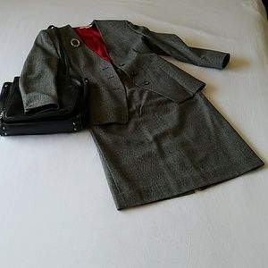 Baxter & Lockwood Skirts - Vintage gray glen plaid suit with pencil skirt