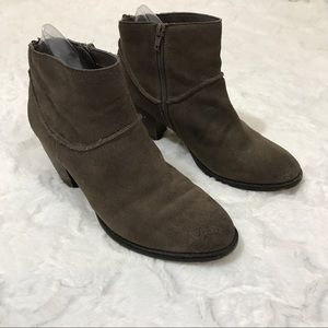 Steve Madden leather booties brown size 9 heeled