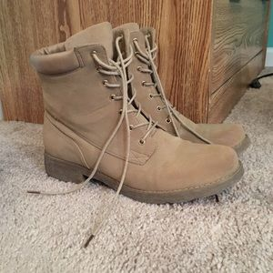 ShoeDazzle Shoes - Taupe Booties