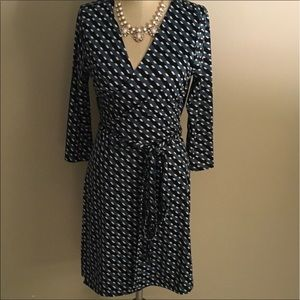 Just Fab Dresses & Skirts - Wrap dress for work! Green, black and white LARGE