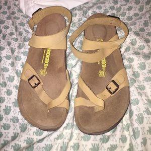 Birkenstock Shoes - Birkenstock Yara sandal, size 40