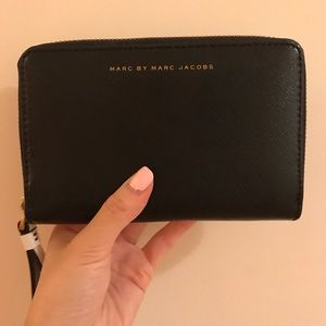 Marc By Marc Jacobs Accessories - Marc by Marc Jacobs Wrislet Wallet (Zip Around)