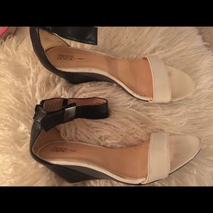 Prabal Gurung wedge white grey sandals heels 8.5