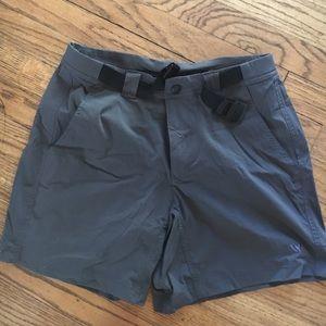 White Sierra Pants - Woman's shorts comfortable size 6 great