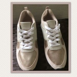 New: Zara Woman's Sneakers