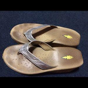 volatile Shoes - Volatile silver cork shoes size 10