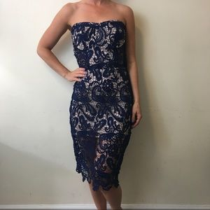 Olivaceous Dresses & Skirts - NWT Olivaceous Navy Nude Lace Strapless Dress
