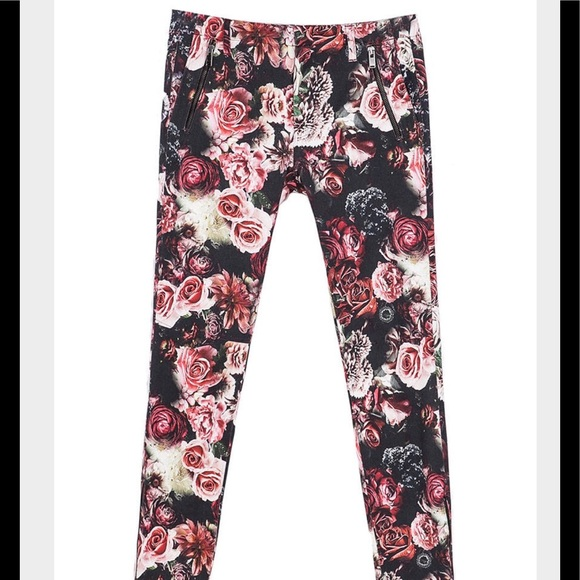 63 off zara pants zara woman floral rose garden pant sz 8 from dominique 39 s closet on poshmark. Black Bedroom Furniture Sets. Home Design Ideas