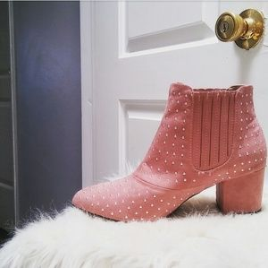//The Kaylee// Mauve Studded ankle booties