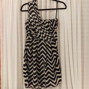 Black and White Chevron One Shoulder Dress