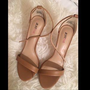Just Fab Shoes - NWOT Tan Single Sole Heels