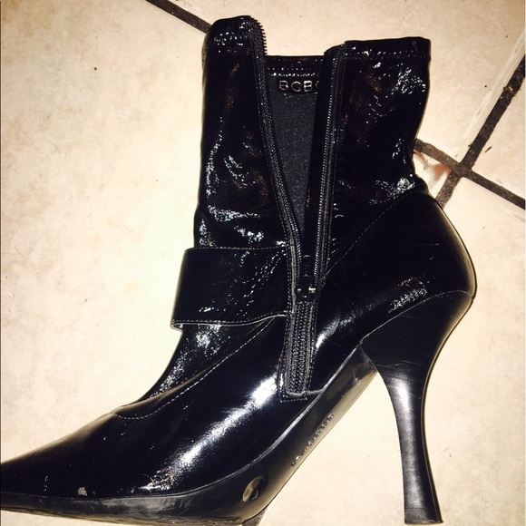 BCBG Paris Shoes. Items. Filter. Sort By. Follow ing Search On Sale BCBG Paris Black Maryjanes Satin Stiletto Heels Boots/Booties. $ $ US 8. BCBG Paris White Wedges Sandals. $