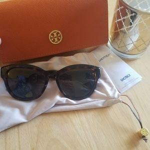 Tory Burch Accessories - Polarized Tory Burch Sunglasses - offers welcome!