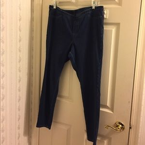 HUE Pants - HUE Spandex Denim Legging