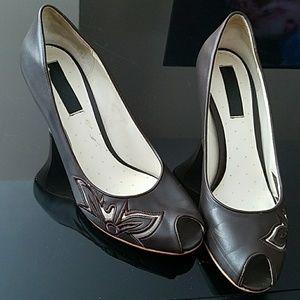 Abaete Shoes - Brown Peep-Toe Heels