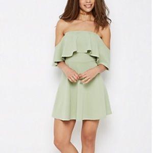Dresses & Skirts - Seafoam green flounce skater dress