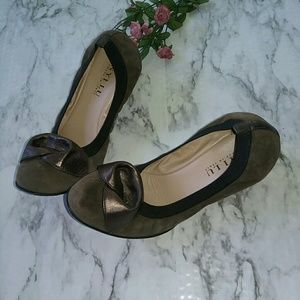 Anyi Lu Shoes - ANYI LU SHOES.  LIGHT BROWN SUEDE Italy Sz 39