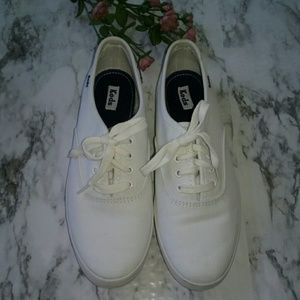 Keds Shoes - Ked White Classic  Tennis Shoes US 8