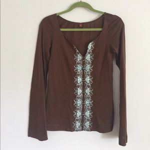 🌈 Free People Brown Embroidered Long Sleeve Tee