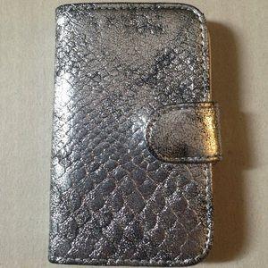 Accessories - 2/$5! iPhone 4/4S wallet magnet case.