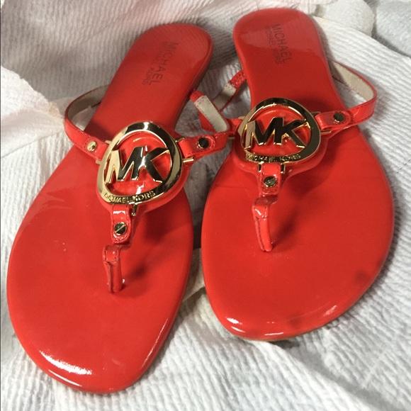 71d0151bd Michael KORS MacKenzie Flip Flop Flats Thong Sz 7.  M 594be011fbf6f96550006313