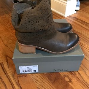 Antelope Shoes - Antelope Booties Laser-cut size 8.5