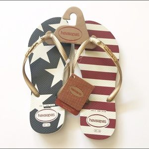 Havaianas Shoes - NWT! Havaiana Stars and Stripes flip flops/sandals