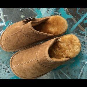 LAMO Shoes - LAMO Sheepskin and Fleece Lined Slippers NWT