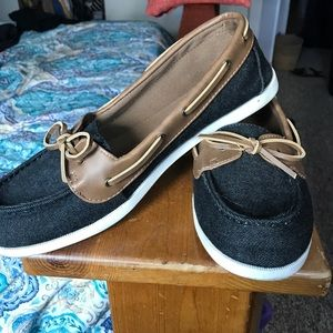 American Eagle By Payless Shoes - Lightly worn American Eagle boat shoes