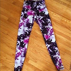 Old Navy Pants - Old Navy athletic leggings. NWOT.
