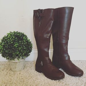 Shoes - NWT tall brown boots