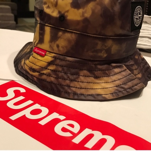 686860de0e5 BNWT SUPREME x STONE ISLAND bucket hat