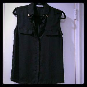 Tops - Black sleeveless blouse
