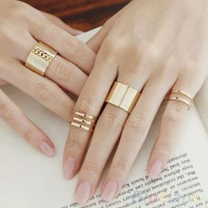 Jewelry - 🌷  Dainty Midi Rings Set