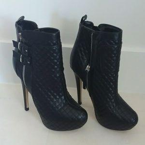 Sophia & Lee Shoes - SOPHIA & LEE black quilted platform booties
