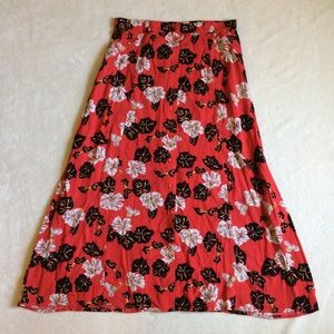 Sag Harbor Dresses & Skirts - Floral button skirt