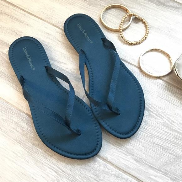 73144dda08ad7 David s Bridal Shoes - Davids Bridal Flip Flops Size 7-8 Peacock Color