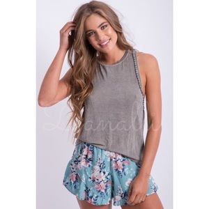 Pants - New blue floral ruffle shorts