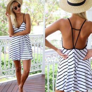 Dresses & Skirts - 🆕 Cute summer dresses with horizontal stripes