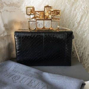 Alexander McQueen Handbags - Alexander McQueen Flower Knuckle Clutch