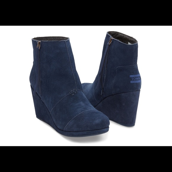 551c557ae53 TOMS Desert Wedge High Booties Navy Blue. M 594c120f2599fe65c6010a46