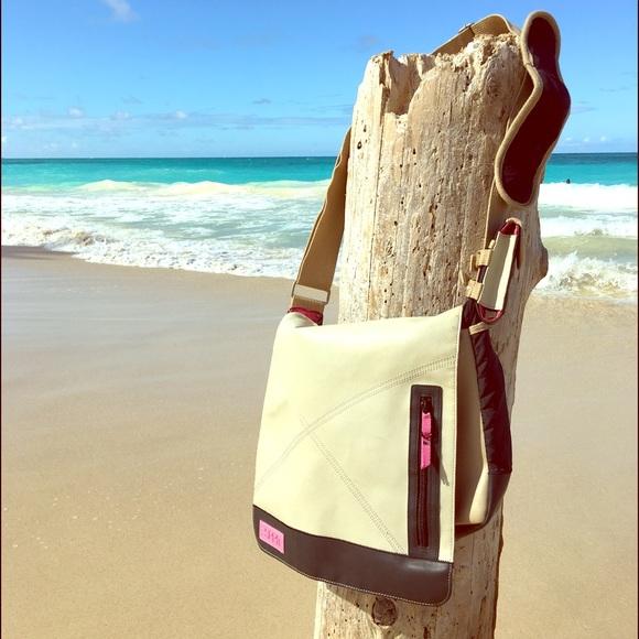 Esprit Bags Messenger Laptopipad Bag W Lots O Pockets