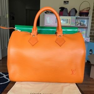 Louis Vuitton Handbags - 🔴FIRM PRICE🔴Louis Vuitton Orange Epi Speedy 25