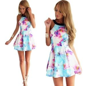 Dresses & Skirts - 🆕Adorable summer floral dress